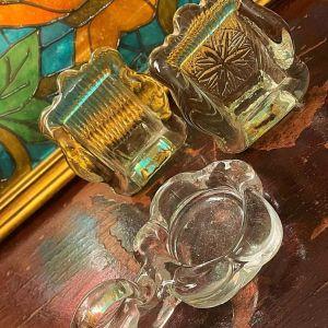 Vintage σετ Γυάλινων Κορνιζάκια & Βάση Ρεσό