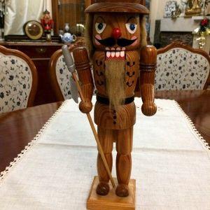 Καρυοθραύστης ξύλινος 38 εκ.