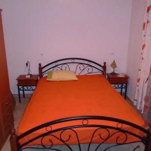 Κρεββάτι διπλό μεταλλικό με στρώμα