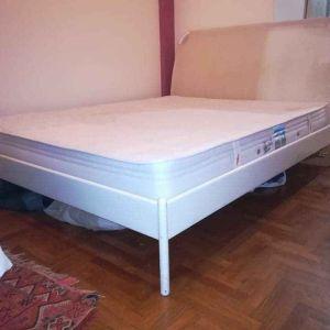 Υπερ διπλό σιδερένιο κρεβάτι