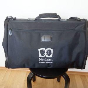 Βαλίτσα για κοστούμια χειραποσκευη