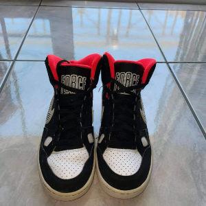 παπουτσια μαύρα nike