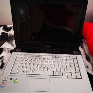 Laptop Toshiba Satellite A210-133 4Gb Ram + 3 έξτρα μπαταρίες + τσάντα