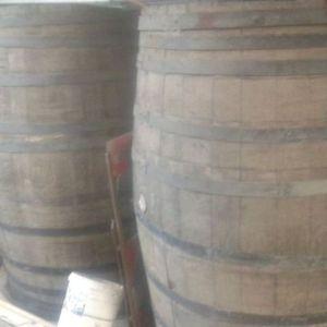 Βαρέλια κρασιού δρύινα μεγάλα για ντεκόρ