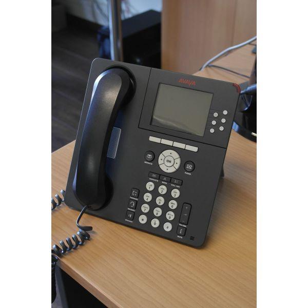 polite Avaya 9640 IP tilefono