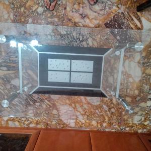 τραπέζι γυαλινο