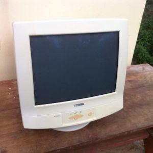 Οθόνη υπολογιστή NOKIA Model 447ZiPlus σε λειτουργική κατάσταση.