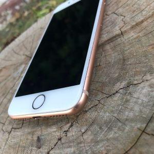 iPhone 8 64gb gold!Καινουργια μπαταρία