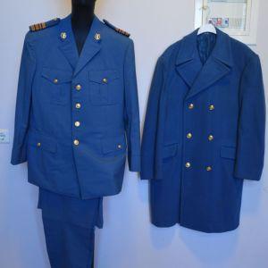 Πλήρης στολή τελωνιακού αξιωματικού (πηλήκιο-χιτώνιο-παντελόνι-ημιχλαίνιο) σε άριστη κατάσταση (140 ευρώ)