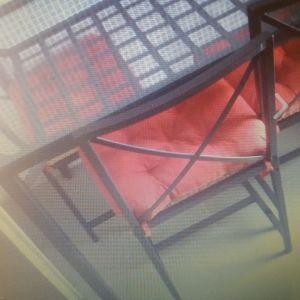 Τραπεζαρία μεταλλική + 6 καρέκλες. Χρειάζεται συναρμολόγηση.