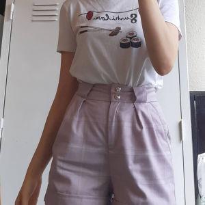Κοντομανικη μπλουζα.