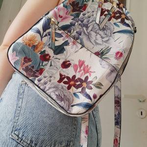 Τσάντα πλάτης με λουλούδια