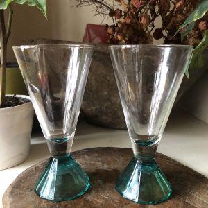 Δυο γυάλινα ποτήρια