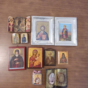 Εικόνες παλαιές μικρού και μεσαίου μεγέθους. 10 τεμάχια. Όλες μαζί 10 ευρω.Αθηνα.Ανω Πατήσια.