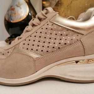 Γυναικεία αθλητικά παπούτσια 40 νούμερο