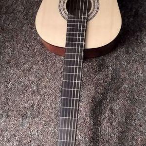 Πωλειται ολοκαινουργια SEVILLA CG-20 II Natural Κλασική Κιθάρα 4/4