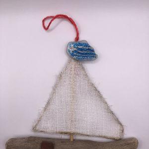 Χριστουγεννιάτικα χειροποίητα στολίδια για το δέντρο σε σχήμα καράβι