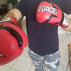 Γάντια του μποξ καινούργια!!
