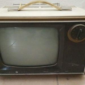 TV GENERAL ELECTRIC Model WM 020 WVY1. Φορητή. 1970 περίπου.