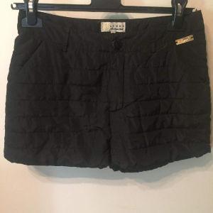 Lynne shorts