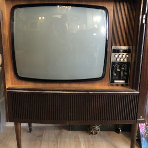 Αντικα ασπρομαυρη τηλεοραση Grundig σε αριστη κατασταση