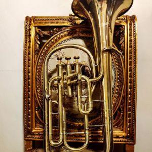 Παλιό άλτο κόρνο δεκ. 1980 με βαλβίδες, γερμανικό Weltklang, μουσικό χάλκινο πνευστό όργανο, διακόσμηση ρετρό αντίκα σπάνιο δυσεύρετο φιλαρμονική τρομπέτα τρομπόνι διακοσμητικό όμορφο κομμάτι