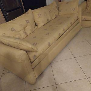 Τριθέσιος καναπές κρεβάτι