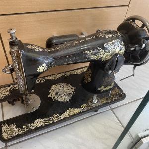 ραπτομηχανή αντίκα εποχής