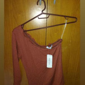 Celestino μπλούζα με ένα μανίκι