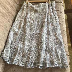 Καλοκαιρινή φούστα νούμερο 42....