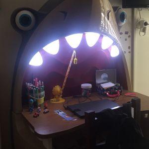 Παιδικό γραφείο καρχαρίας !!