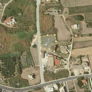 Οικόπεδο στον Θεολόγο Ρόδου, εντός σχεδίου πόλεως, απέχει λιγότερο από 500μ από την παραλία.