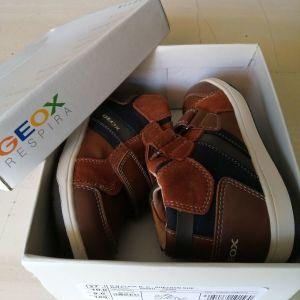 Παιδικά μποτάκια GEOX για αγόρι Νο 27, καινούρια