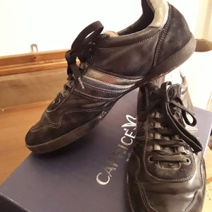 Hilfiger casual shoes. N.44 in good condition.