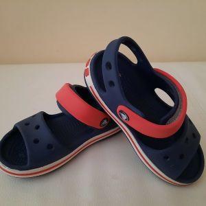 Crocs no c10 (no 27)