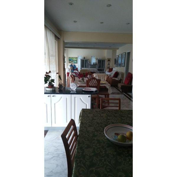 polite orofodiamerisma 147 tm. stin sperchogia messinias. diatheti verantes, avli ke thea se kipo.