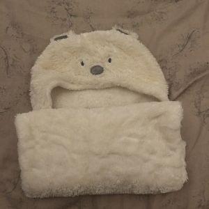 Βρεφικό κουβέρτακι εκρού με κουκούλα