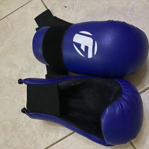 γάντια και παπούτσια ταεκβοντό!