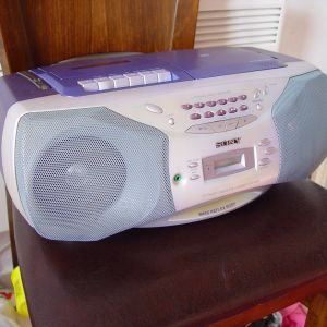 SONY CFD-926L. Ραδιο. (CD. και Kασετοφονο. δεν Λειτουργει)