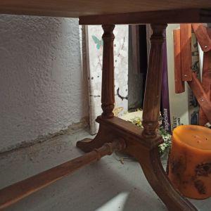 Ξύλινο μασίφ γραφείο, αντίκα, με σκαλίσματα, 3 συρτάρια