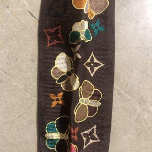 Louis Vuitton satin scarf / μεταξωτό μαντίλι Louis Vuitton