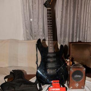 Ηλεκτρική κιθάρα Fernandes,Boss MD-2 mega distortion, θήκη κιθάρας Peavey, Pignose ηχείο.