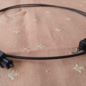 Fibre optic Sony cable. Οπτική ίνα της Sony