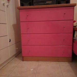 Συρταριέρα παιδικού δωματίου