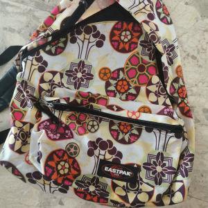 τσάντα σχολική eastrak
