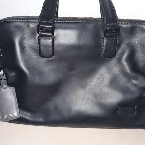 Πωλείται τσάντα tumi