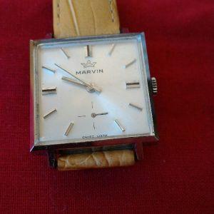 Ρολόι χειρός MARVIN SWISS MADE 514302, μηχανικό με κουρδιστήρι, διαστάσεων 28χ28. Άριστη λειτουργία. Καινούριο δερμάτινο λουράκι.
