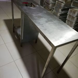 Τραπέζι Εργασίας ινοχ  με Ανοιγμα ακαθάρτων 240*70*87εκ