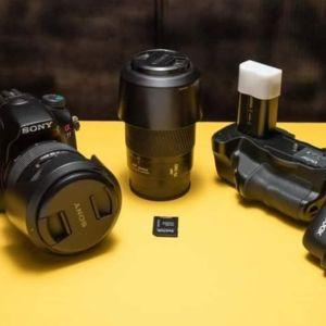 Sony a77+Sony 16-50mm f/2.8+battery grip+ flash transmitter+ sd card 32gb και 3ης μπαταρίες σε αψογη κατασταση- 350 ευρω