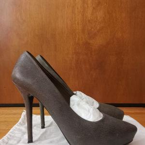 Zara ψηλοτάκουνες γόβες